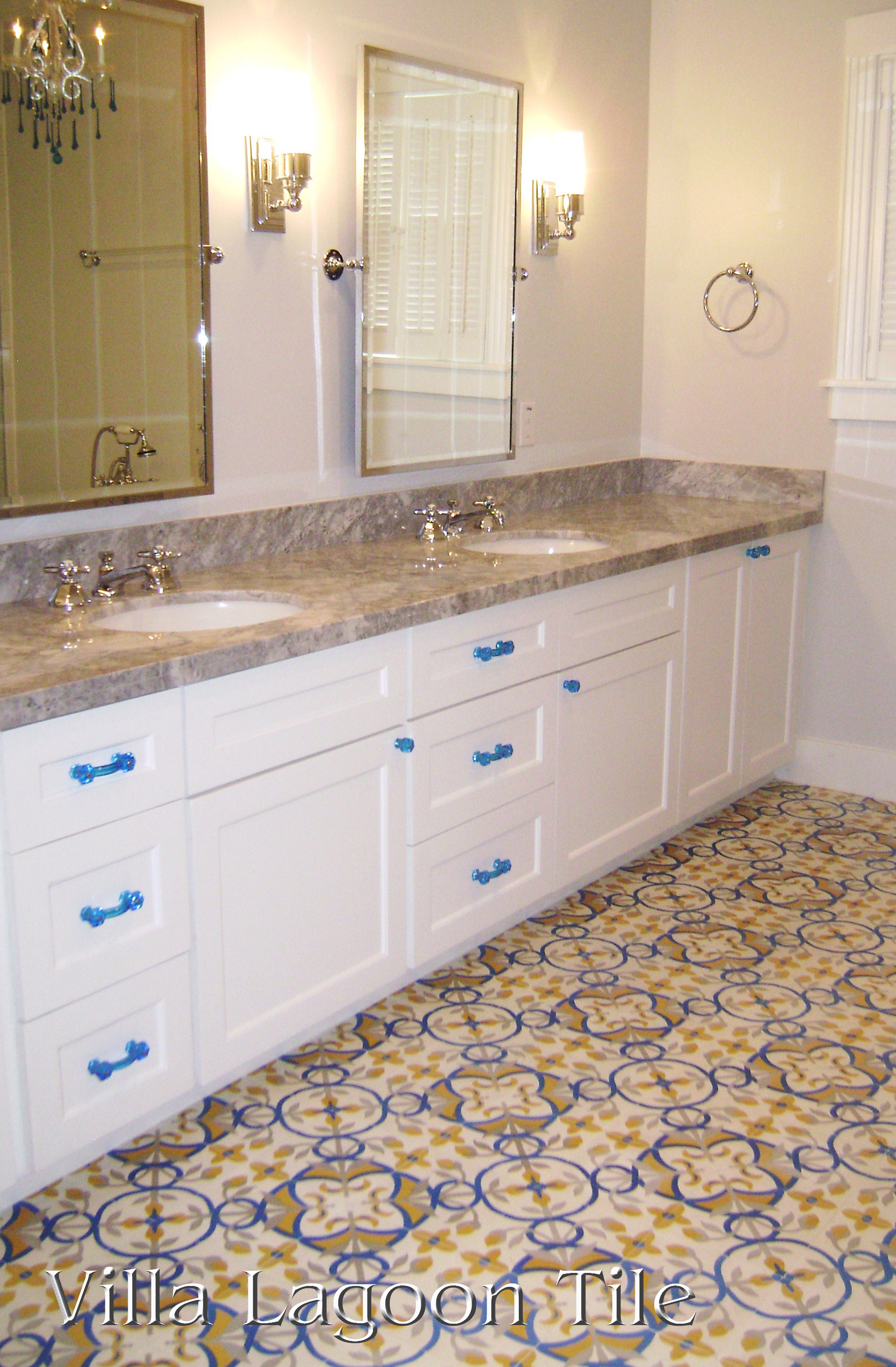 custom-floral-tile-bathroom-VLT-2