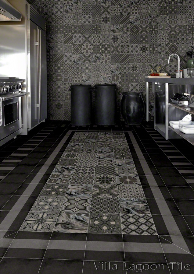 Patchwork Grafito and Battlo Ceniza in a kitchen.
